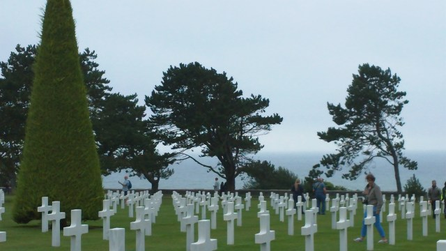Graves with a seaview - American Cemetery Normandy