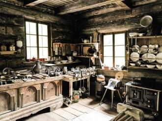 Viele historische Werkzeuge