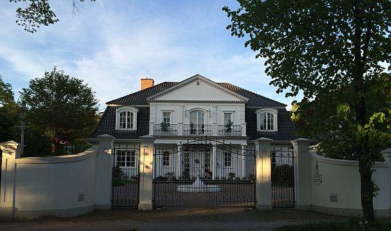 Luxuriöse Immobilien lassen sich schwerer finanzieren, weil die potenzielle Zielgruppe für einen Verkauf viel kleiner ist, als bei Standardimmobilien. (Foto: Burgdorf)