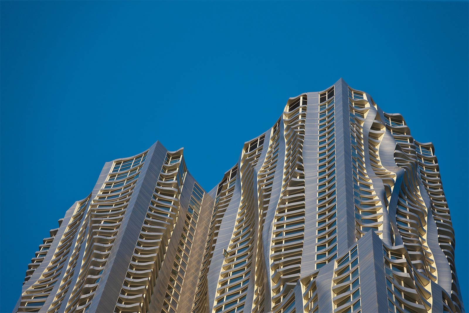 https://i2.wp.com/www.hauteresidence.com/wp-content/uploads/2013/03/Frank_Gehry_New_York.jpeg