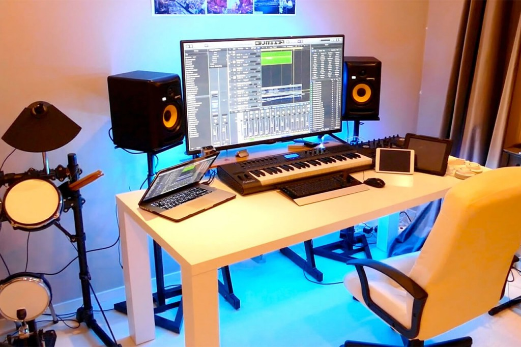 How To Setup Your Home Recording Studio Like A Pro
