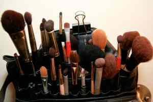 Augenringe mit Makeup abdecken