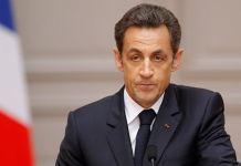 Sarkozy siyasete geri dönüyor