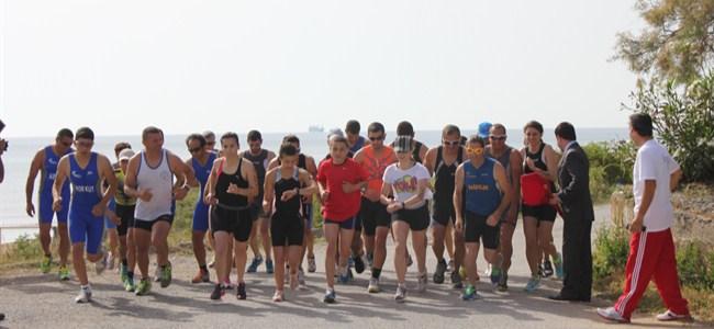 Triatloncular hız kesmiyor