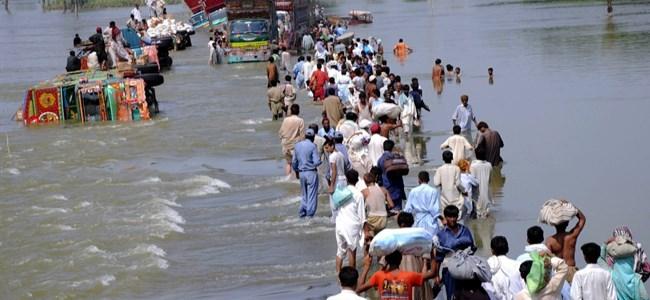 Hindistan'da Sel! 10 Ölü