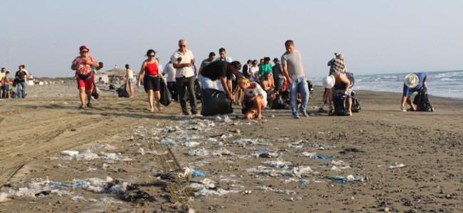 Başbakan ve bakan çöp topladı