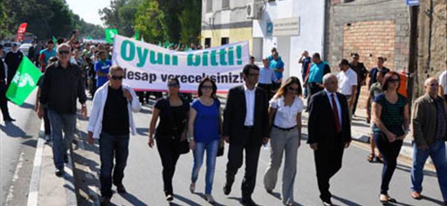 CTP istifa talebiyle yürüdü
