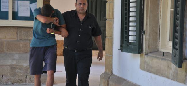 Paketçi hırsızlıktan tutuklandı
