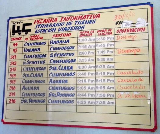 Fahrplan im Bahnhof von Cienfuegos