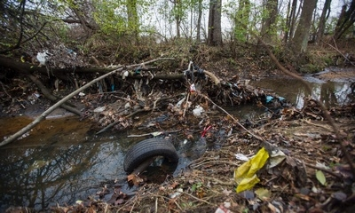 Trash accumulates on Nash Run