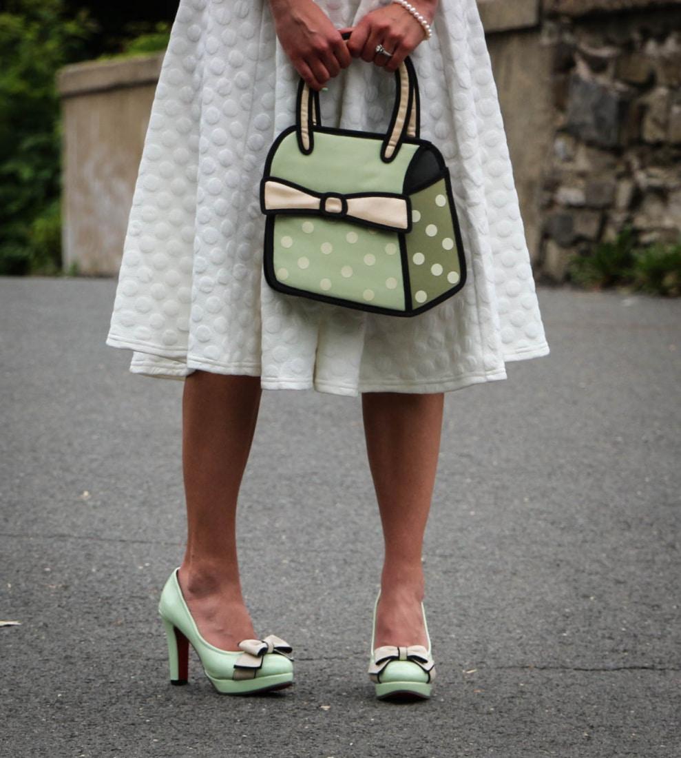 Novelty heels & purse