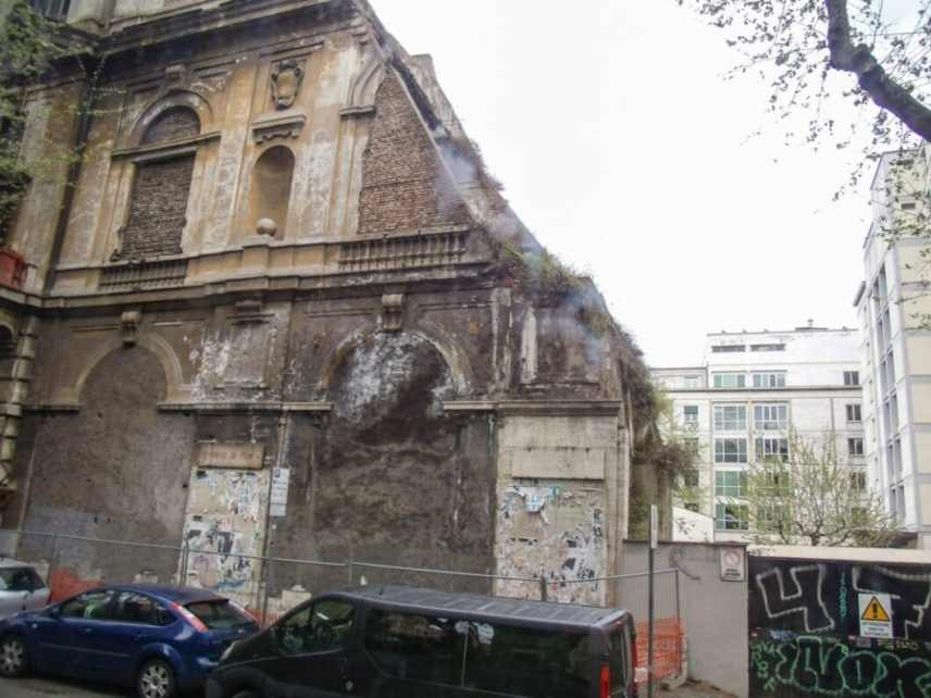 The back of the oldest church in Rome.