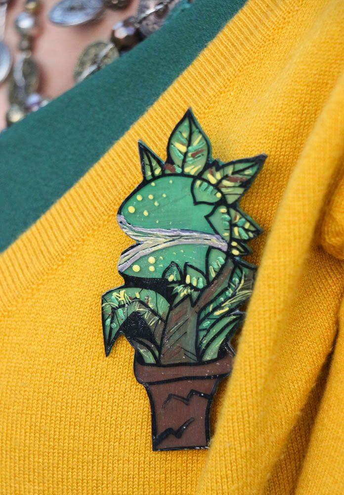 venus flytrap brooch