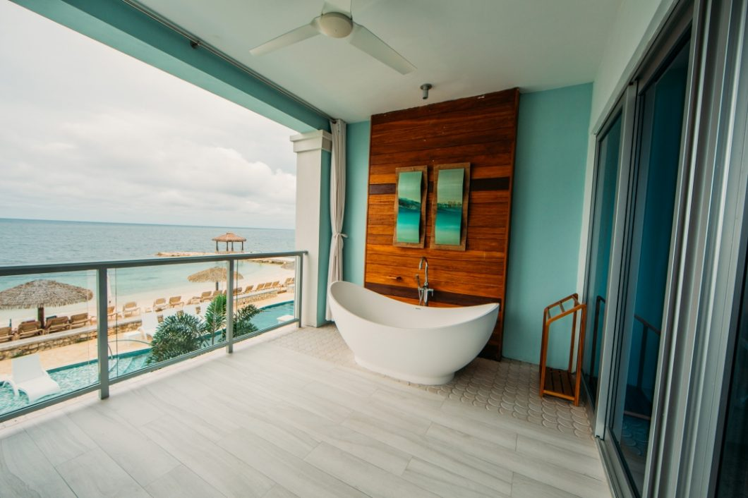 soaking tub at sandals resort