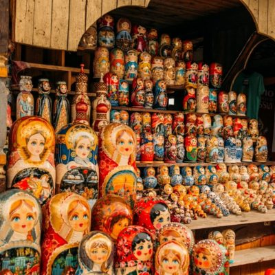 10 Easy-to-Pack Souvenirs to Buy in Russia