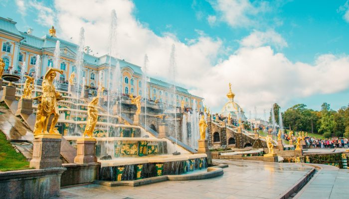 Peterhof Palace & Gardens – Tips for Planning the Best Day Trip from St. Petersburg