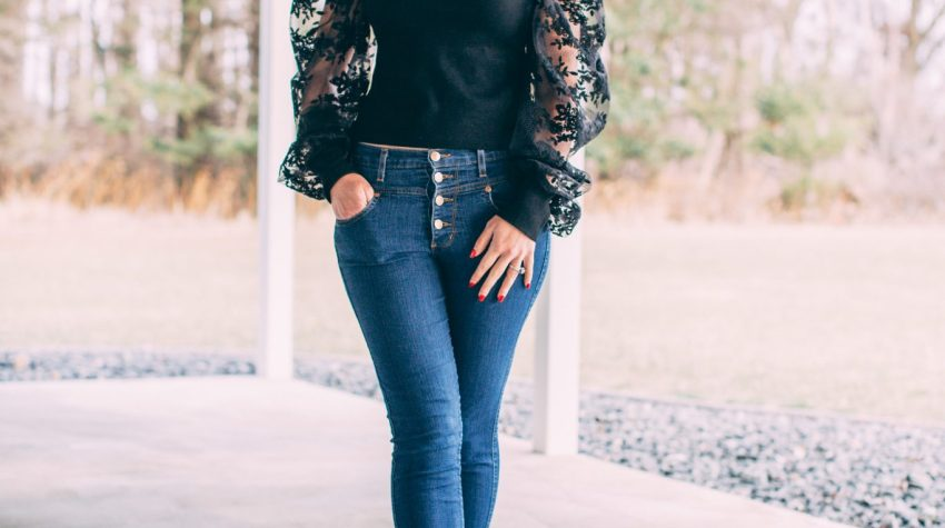 Black Floral Puff Sleeve Top - Trying the Puff Sleeve Trend