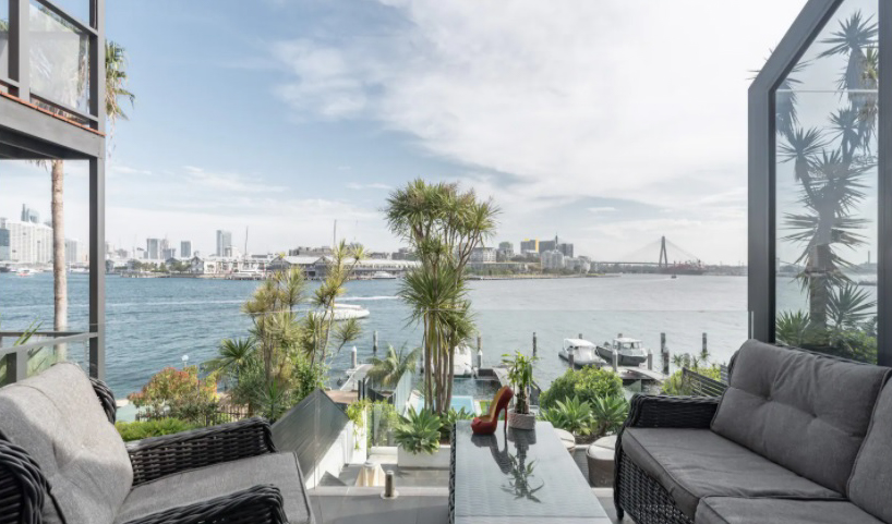 On the edge of the best Harbour in the world! airbnb in Sydney Australia