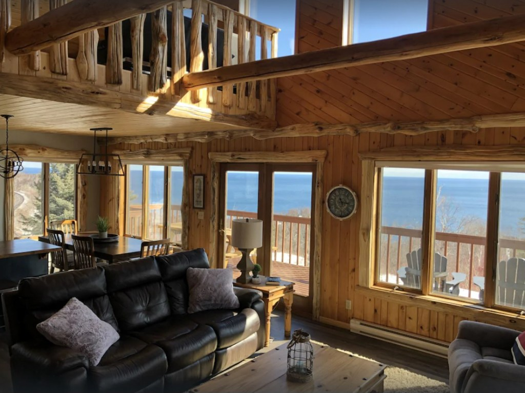 Superior View - 2 bedroooms plus a loft, 2 bathroom cabin overlooking the lake