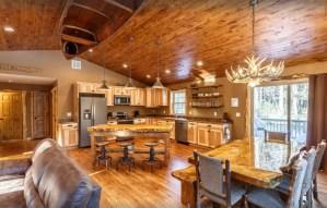 VRBO in Wisconsin Dells Lakefront Whitetail Ridge, Luxury family cabin