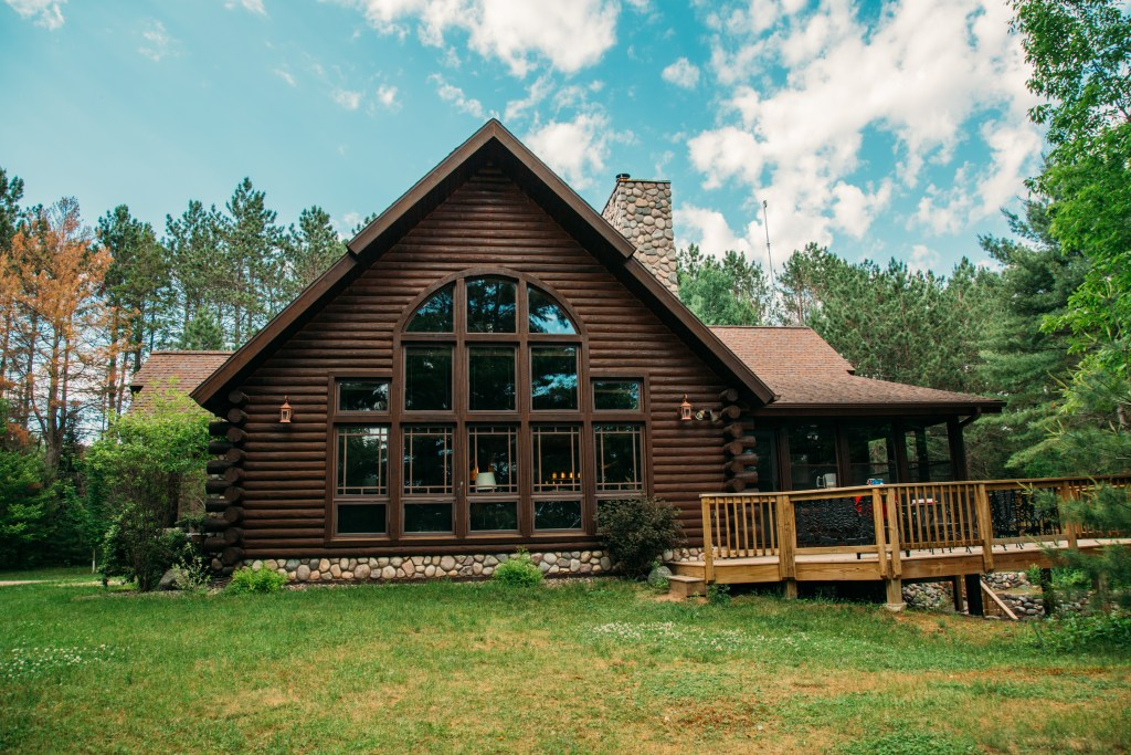 isconsin/Tomahawk Spacious Lakefront Lodge, Kayaks/Canoes Included!
