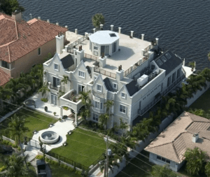 Modern 8-bedroom Castle Home with 8-person Hot Tub and Pool - Fort Lauderdale, Florida