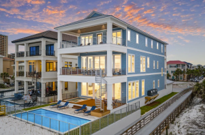 25 Coolest VRBOs in Florida Featuring Beachfront Homes With Pools