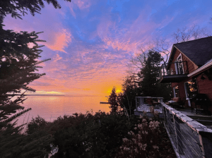 Luxury Waterfront Cabin with Sunroom in Ellison Bay