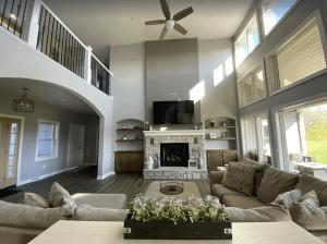 Newly-built 4-bedroom House Near Jones Park - Oshkosh