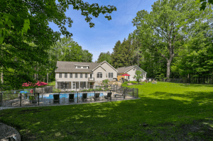 Private 6-bedroom Luxury Home with Pool - Fennville, Michigan