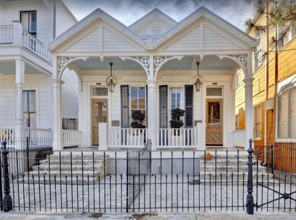 New Orleans VRBO Luxury 4-bedroom French Colonial 1890s Home