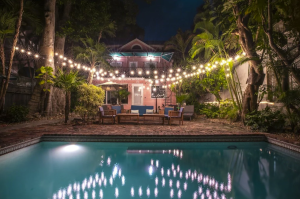 Historic 6-bedroom Skelton Home with Private Backyard Pool - Key West