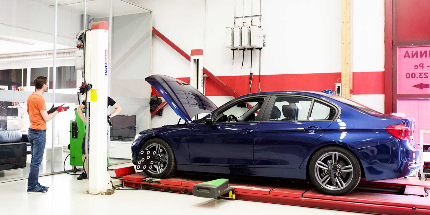 BMW nelipyöräsuuntauksessa.