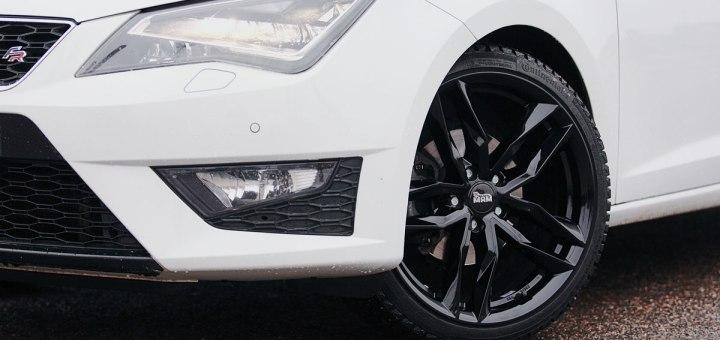 Mam RS3 alumiinivanteet ja Seat Leon ST FR keula