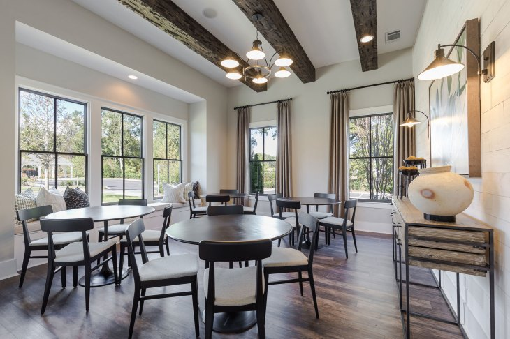 Haven-Design-Works-Atlanta-Edward-Andrews-Larkspur-Clubhouse-Card-Room-beams