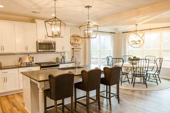 Haven-Design-Works-Atlanta-Edward-Andrews-Larkspur-Kitchen-white