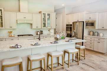 Haven-design-works-Atlanta-K.Hovnanian-Charleston-Mont Blanc-model-home-Kitchen-min