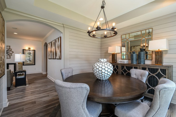 's Lake-model-home-Dining