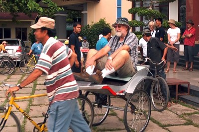 The cyclos of Chau Doc did not have much in the way of hand-holds but were fun to ride