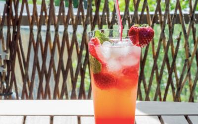 Sommerlig jordbærcocktail