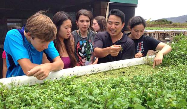 AgDiscovery students at aquaponics facility
