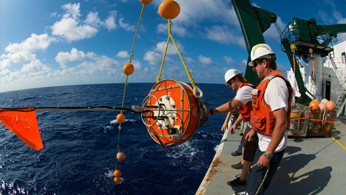 Oceanographers are getting trap while on a boat