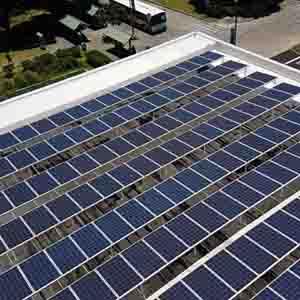 Rooftop solar array on Sinclair Library