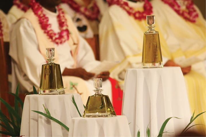 Images from the Chrism Mass - Hawaii Catholic Herald