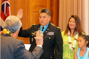 Rep. K. Mark Takai is promoted to Lt Colonel (photo by Mel Ah Ching)