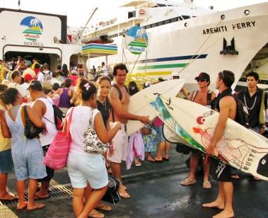 Boarding Moorea Ferry1 (1)