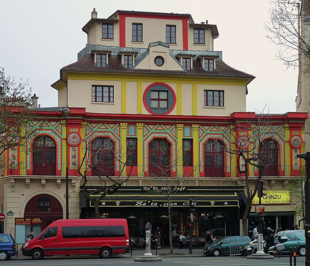 """Bataclan theater, Paris 3 April 2009"" by jxandreani. Licensed under CC BY 2.0 via Commons - https://commons.wikimedia.org/wiki/File:Bataclan_theater,_Paris_3_April_2009.jpg#/media/File:Bataclan_theater,_Paris_3_April_2009.jpg"