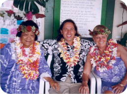 Kumu lomilomi: Aunty Margaret Machado and Sheila O'Malley