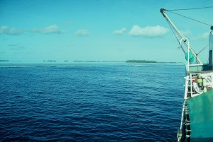 012-arriving-at-tokelau-atolls