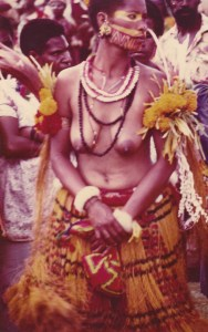 018-dancing-at-annual-highland-festival-in-goroka-png